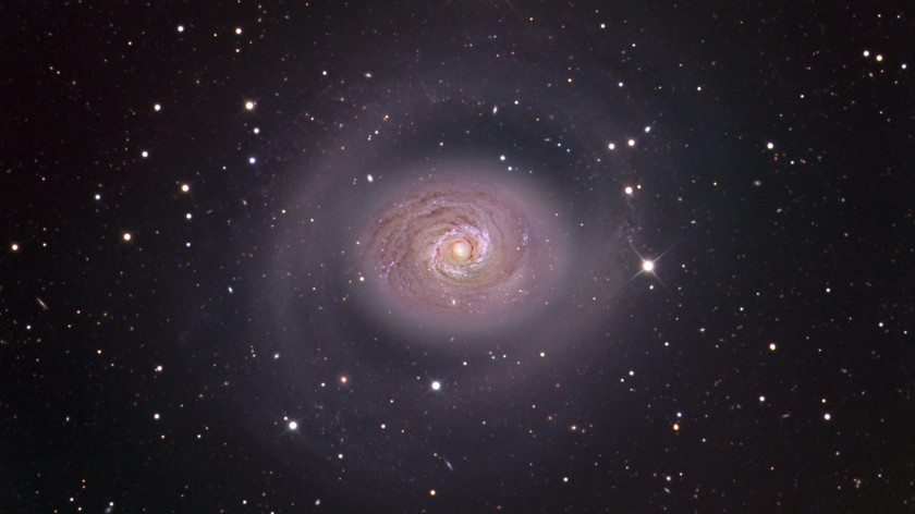 Астрономы обнаружили «галактику-интроверта»