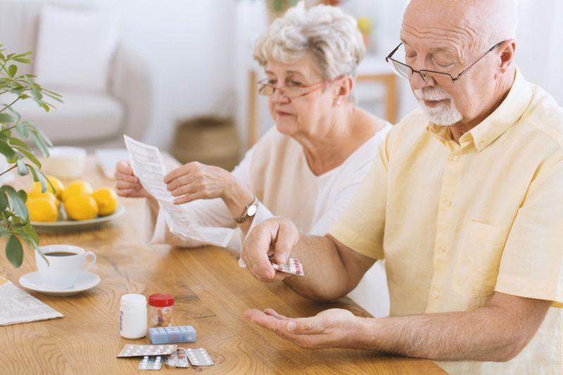 Лекарства от старости впервые испытали на людях