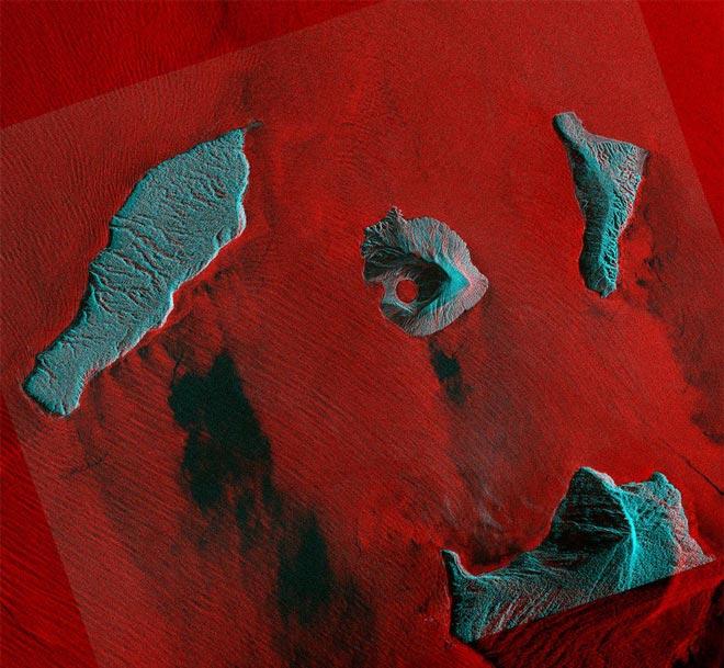 Вулкан Анак-Кракатау продолжает видоизменяться