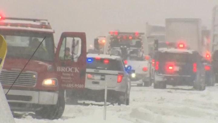 В США из-за снегопадов погибли три человека
