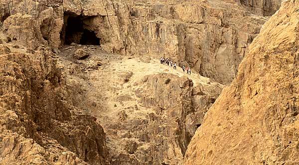 В Кумранских пещерах возобновлены археологические работы
