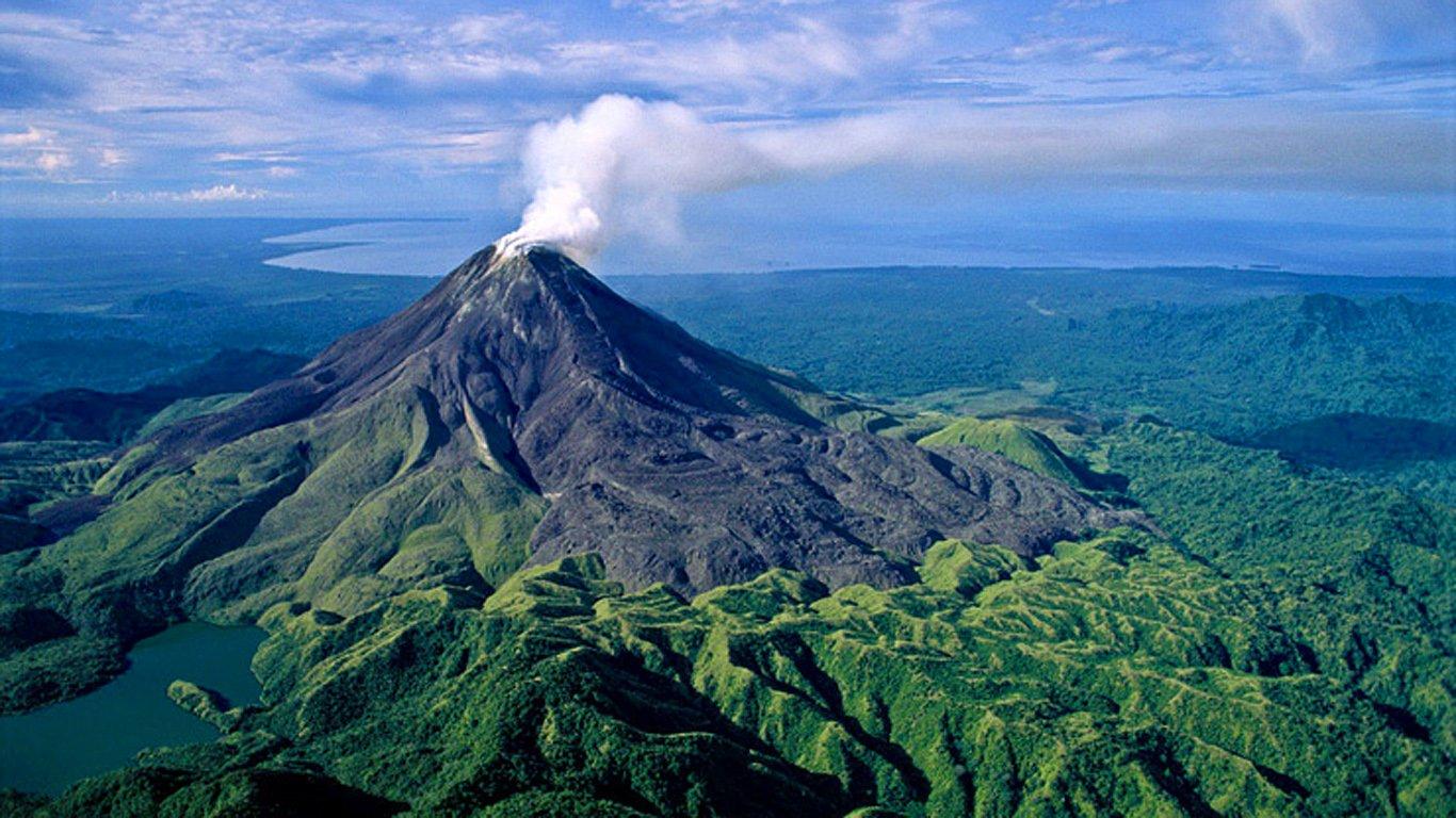 Новая Гвинея: остров вулканов и папуасов