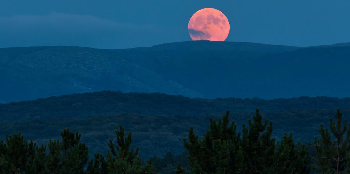 Когда-то в Землю врезалась другая планета, и получилась Луна. Что не так с этой гипотезой? 4935565