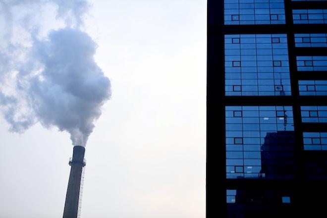 Южная Корея вызвала искусственный дождь для очистки воздуха от китайского смога