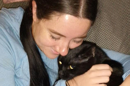 Девушка погладила бездомную кошку и оказалась парализована
