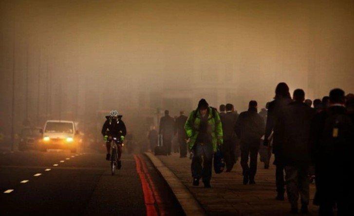 Загрязнение воздуха влияет не только на здоровье человека, но и на ощущение им счастья