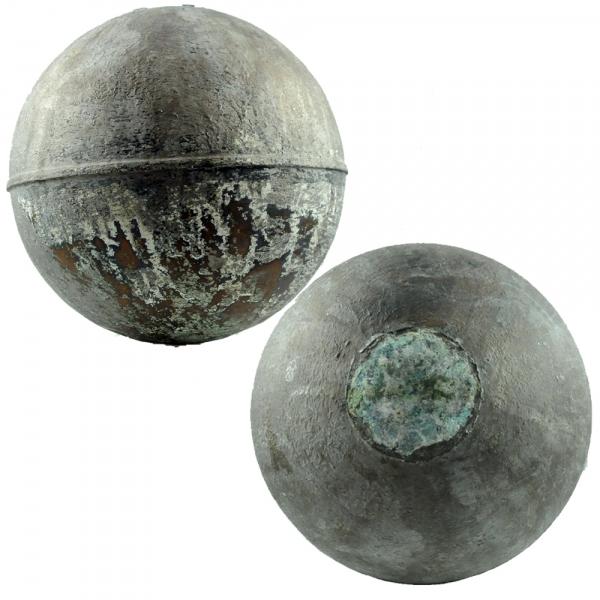 Металлические шары с неба