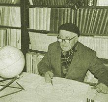 Bendandi w swoim obserwatorium, w którym zmarł w 1979 roku