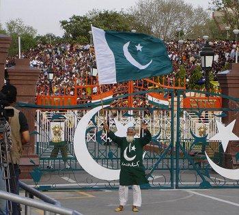 От жары в Пакистане умирают люди