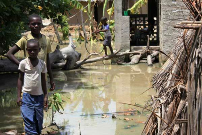 Проливные дожди вызвали наводнение в Мозамбике CVAVR AVR CodeVision cvavr.ru