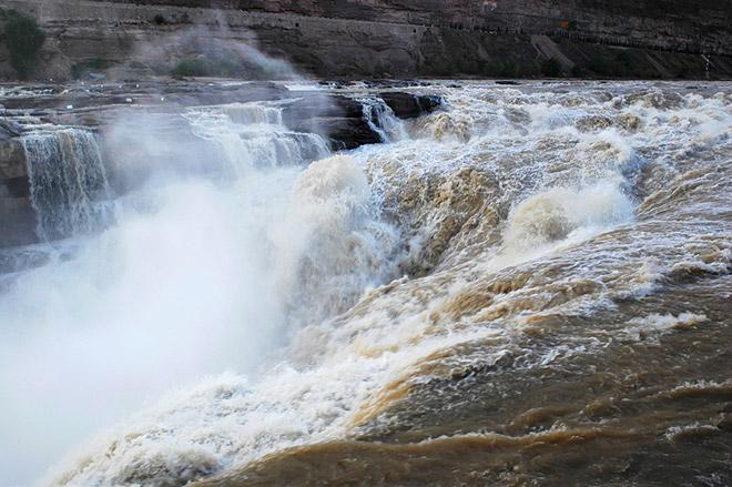 Китайский водопад Хукоу превратился в ледяную скульптуру CVAVR AVR CodeVision cvavr.ru