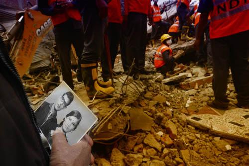 Число жертв землетрясения в Непале превысило 6000 человек - 30 ...