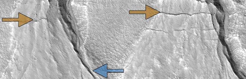 Марсианские овраги указывают на наличие у Красной планеты климатических циклов CVAVR AVR CodeVision cvavr.ru