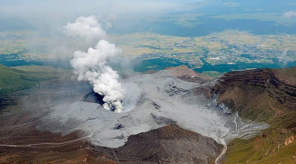 Как связаны землетрясении и вулканы