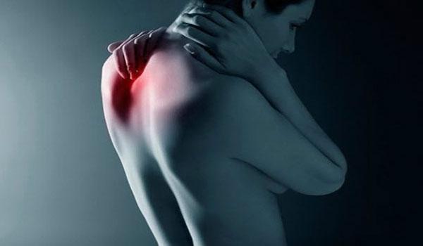 Боли в спине руке причины