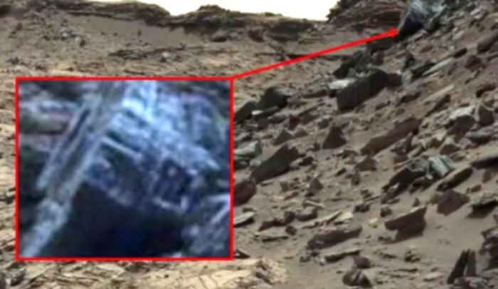Инопланетный механизм на Марсе?