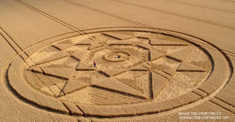 Рисунок на поле в английском графстве Оксфордшир