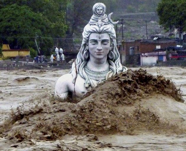 Подъем рек в Индии достиг критических отметок | Земля ...