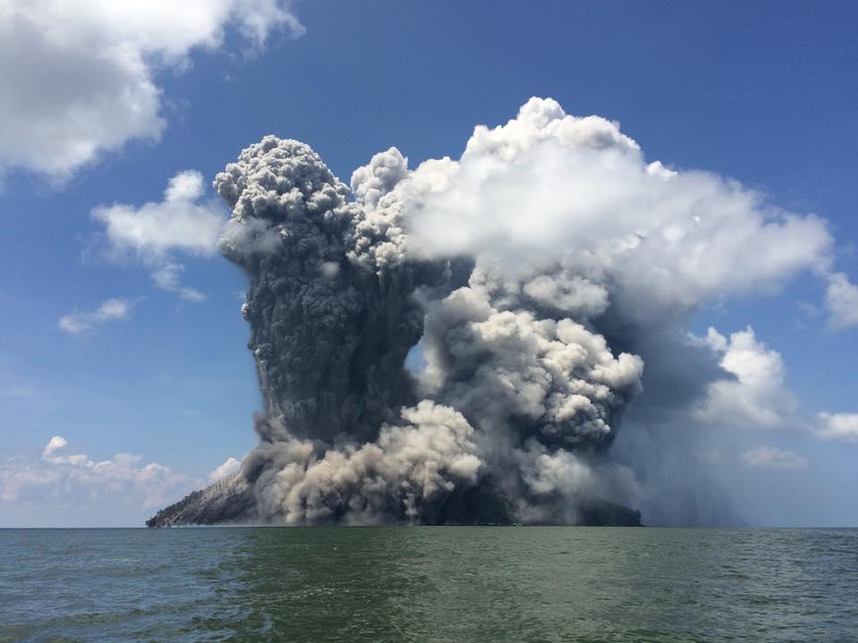 В Папуа-Новой Гвинее активизируются все новые вулканы