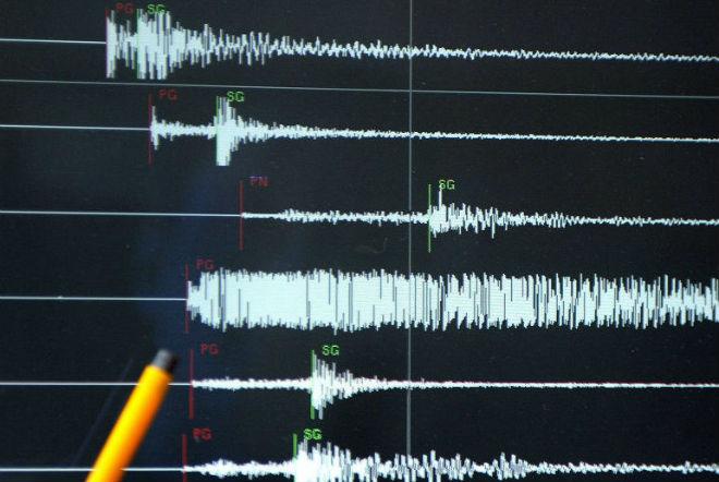 Землетрясение в Японии остановило движение поездов