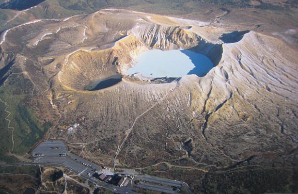 Извержение вулкана Сиране в Японии