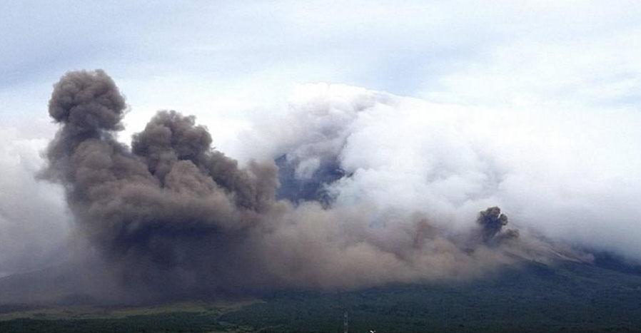 В облаках вулканического пепла появились герои древней легенды