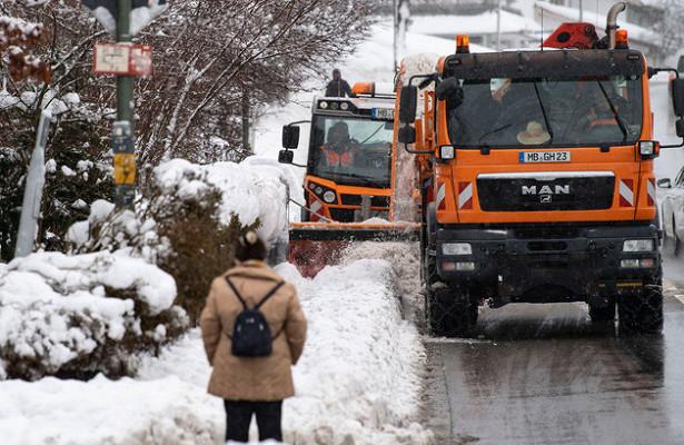 Германию и Австрию завалило снегом