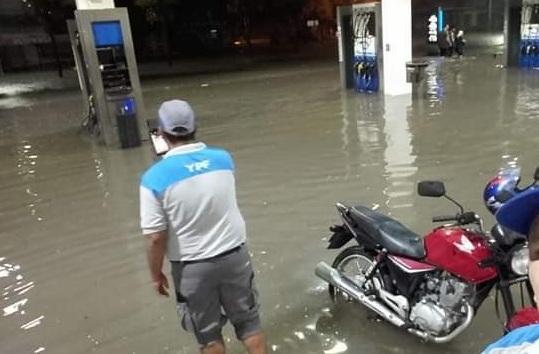 Аргентина, Бразилия, Уругвай - страдают от штормов и наводнений