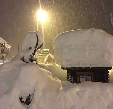 Сильные снегопады обрушились на Швейцарию