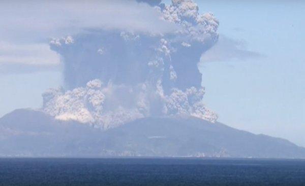 Извержение вулкана произошло в Японии