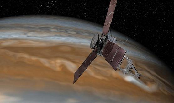 На Титан планируют отправить беспилотную космическую станцию