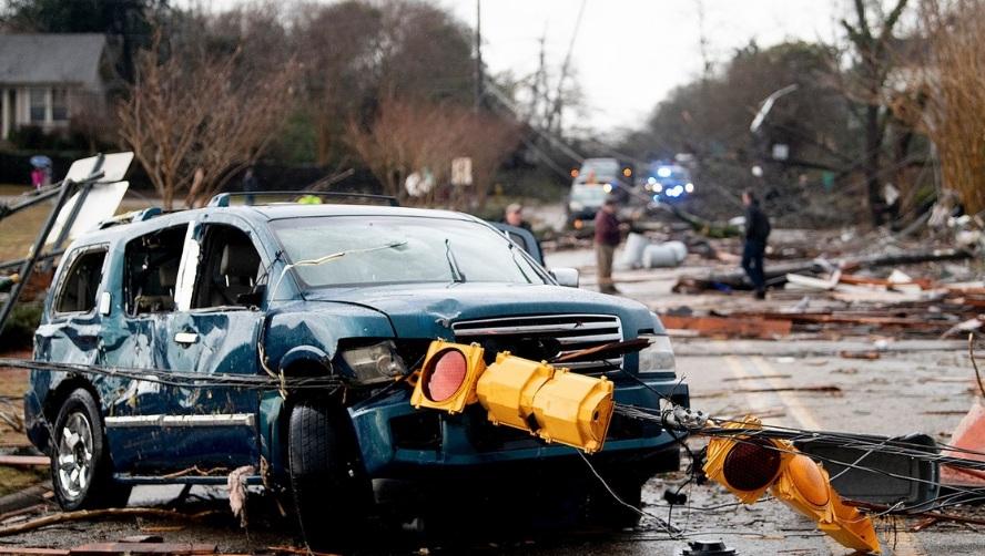 Американский штат Алабама пострадал от удара торнадо