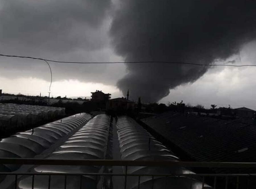 На турецкую Анталью обрушился мощный торнадо