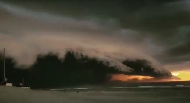 100000 ударов молний обрушилось на Францию за 12 часов
