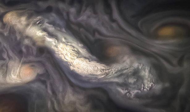 На Юпитере обнаружили необычные облака