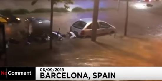 Мощные ливни затопили испанскую Барселону