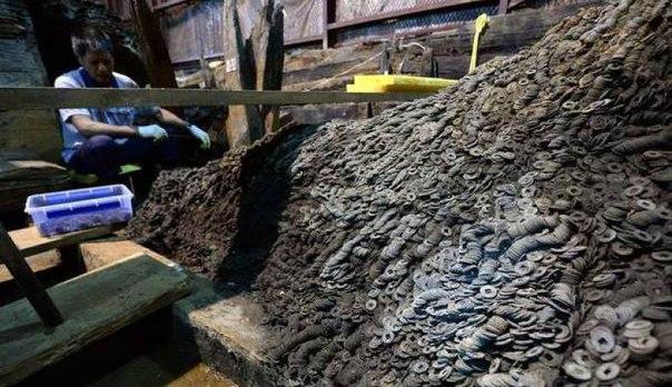 В Китае нашли 10 тонн бронзовых монет и 10 тысяч артефактов из золота