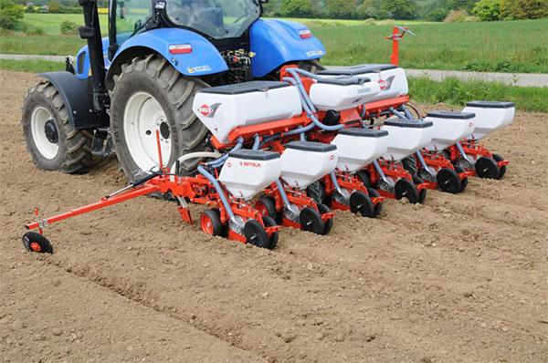 Сеялка точного высева, навесной культиватор и другие единицы техники, растущие в спросе на рынке