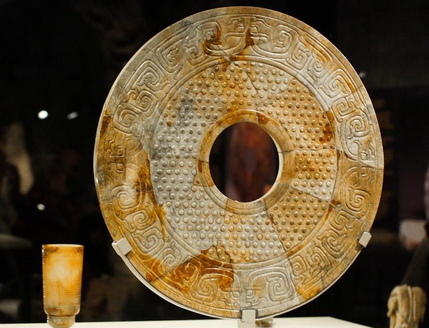 Нефритовые диски би: головоломка для археологов