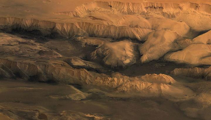 Огромные ледники вырезали самый большой каньон Солнечной системы CVAVR AVR CodeVision cvavr.ru