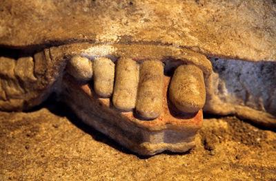 Археологи продолжают раскопки гробницы в Амфиполисе CVAVR AVR CodeVision cvavr.ru
