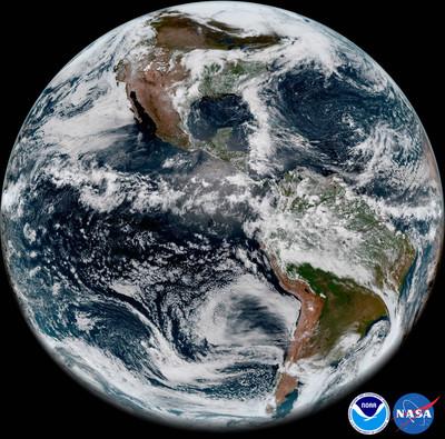 NASA показало видео Земли, снятое спутником GOES-17— Красота изкосмоса