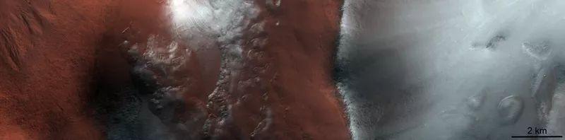 ExoMars поделился новыми фотографиями красной планеты