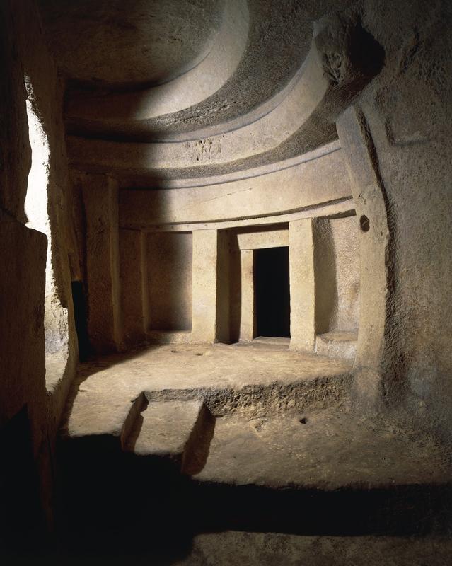 Древняя раса карликов  была обнаружена учеными в древнем храме на Мальте